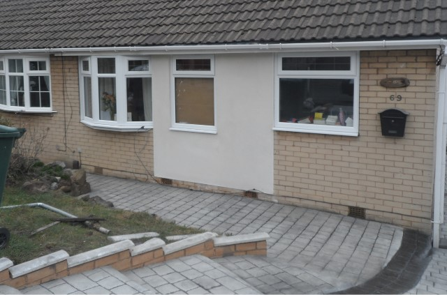 .... porch gone and block paving to front ....